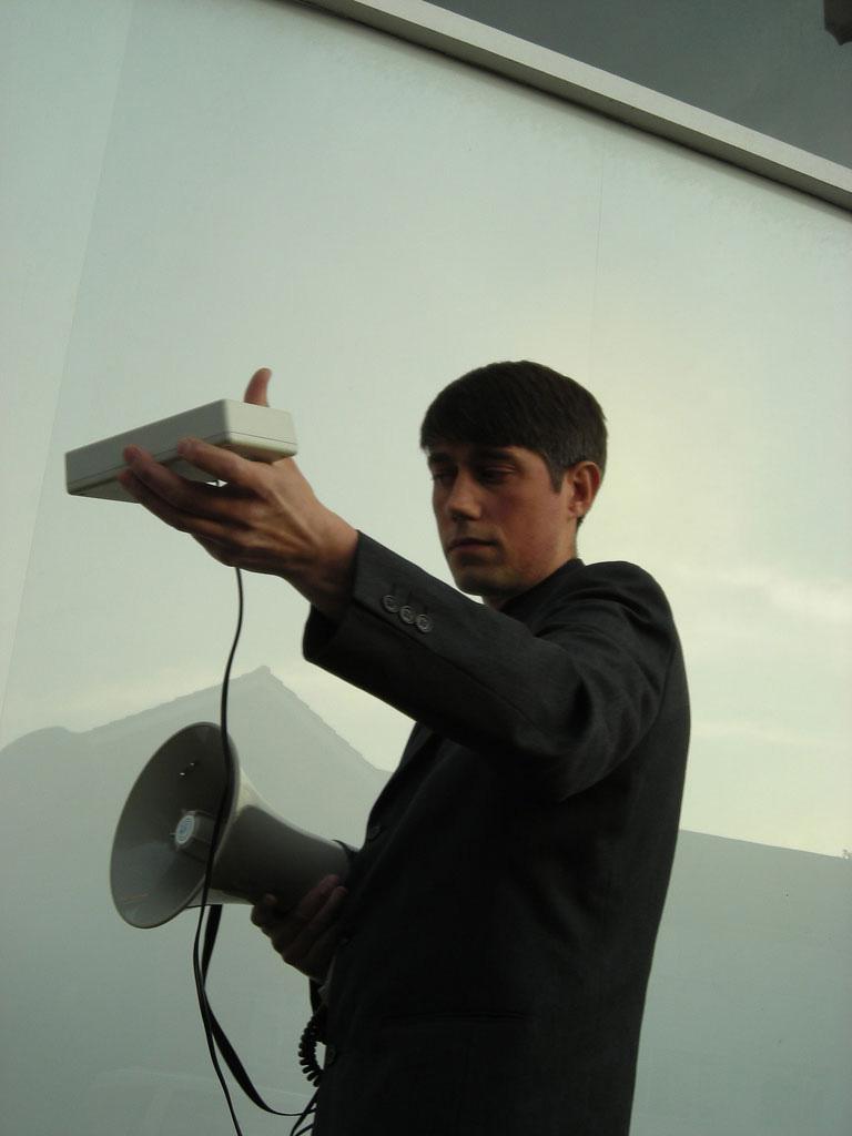 John Wild performing at Tate Britain